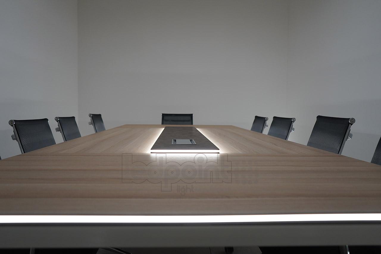 Illuminazione Per Lettura : Tavolo da riunione con illuminazione led ledpoint s r l
